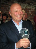 Gerard Le Couedic, France 3, winner of the award for his contribution and dedication to CIRCOM Training